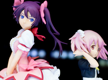 Madoka-and-Hitagi-Exchange-Clothes-for-MadoGatari-Figures