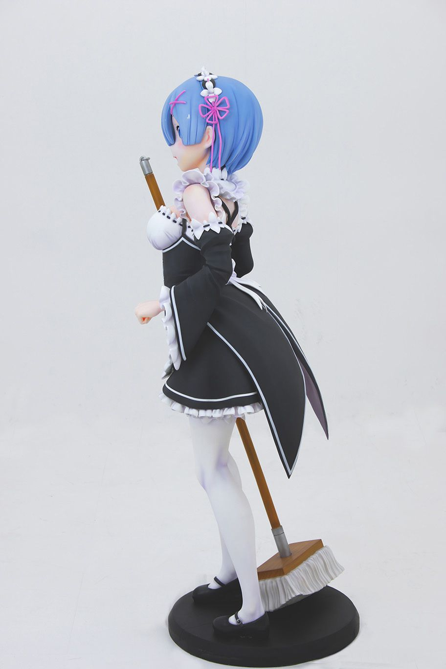 Life-Sized-Rem-Statue-05